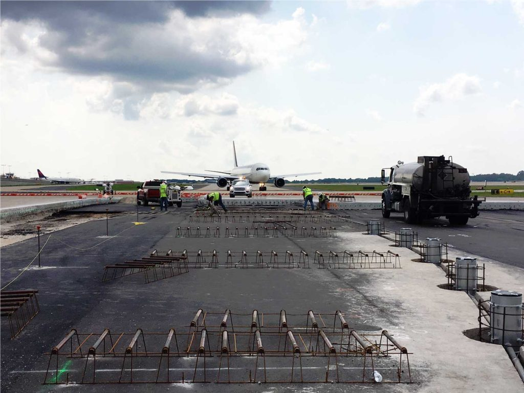Airport construction with McCarthy Improvement